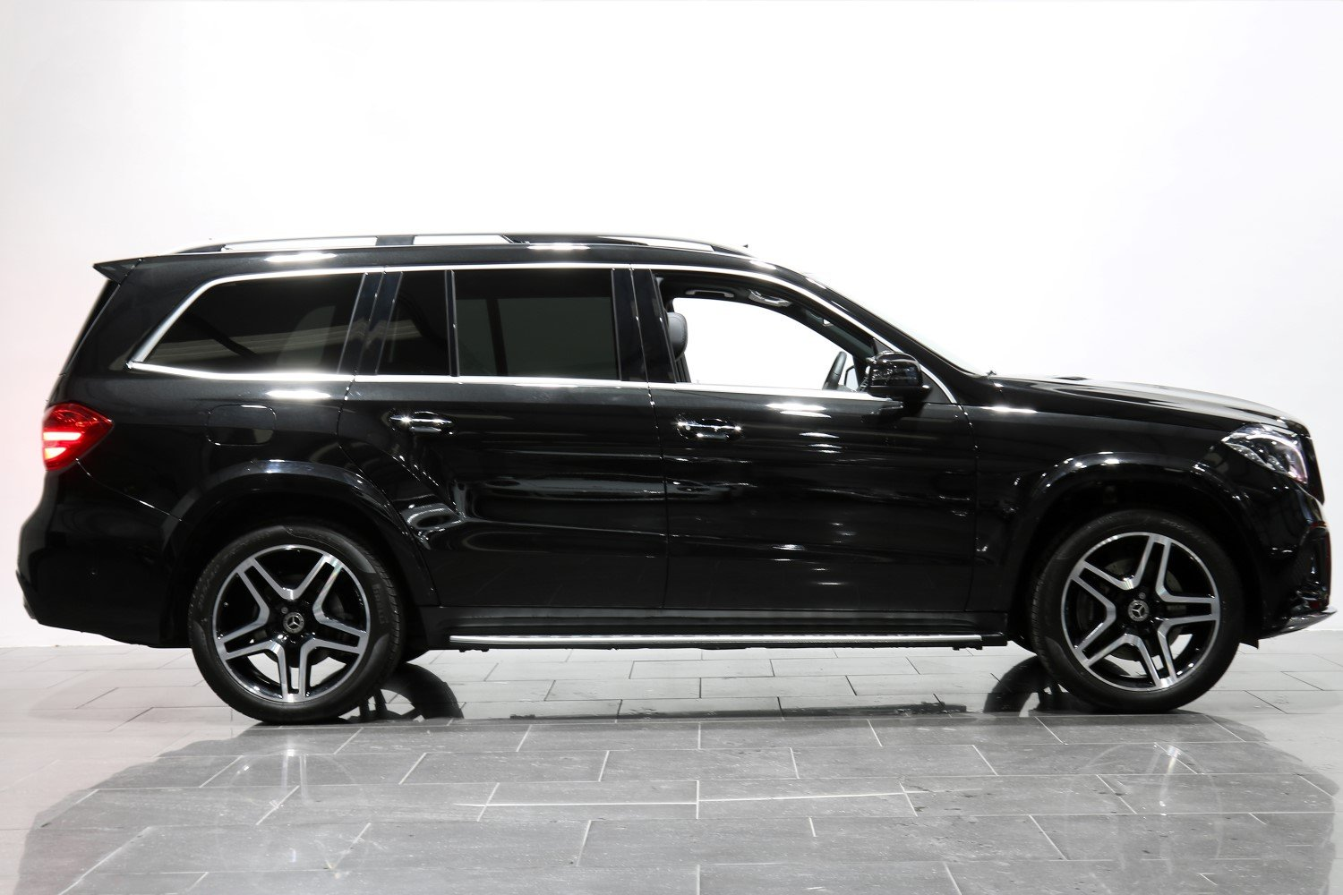 2018 18 68 MERCEDES BENZ GLS 350 D AMG LINE AUTO For Sale (picture 2 of 6)