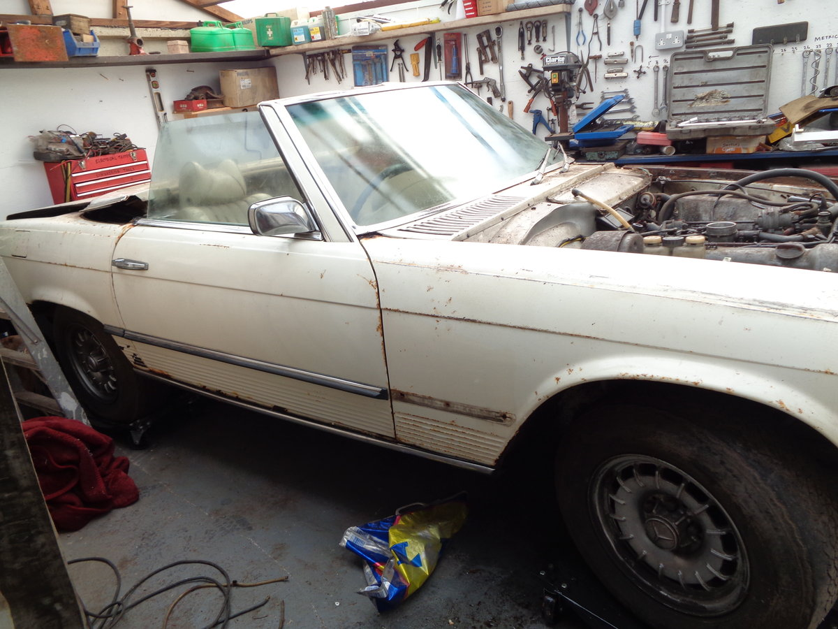 mercedes 350 sl 1972 stalled project For Sale (picture 1 of 6)