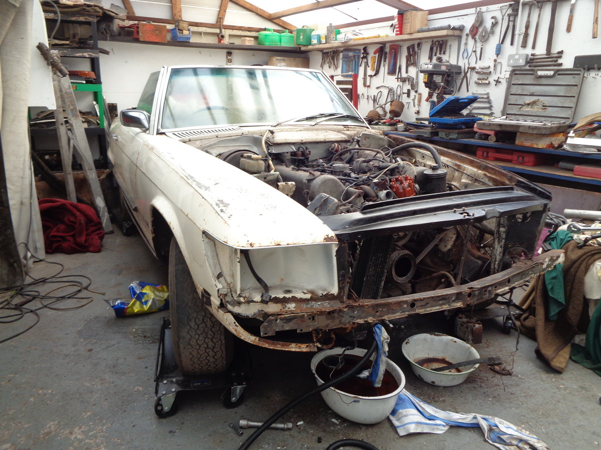 mercedes 350 sl 1972 stalled project For Sale (picture 2 of 6)