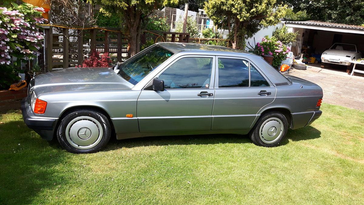 1992 Mercedes 190E Auto SOLD (picture 1 of 6)