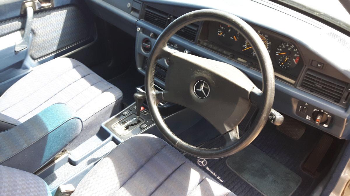 1992 Mercedes 190E Auto SOLD (picture 3 of 6)