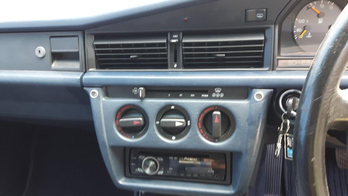 1992 Mercedes 190E Auto SOLD (picture 6 of 6)
