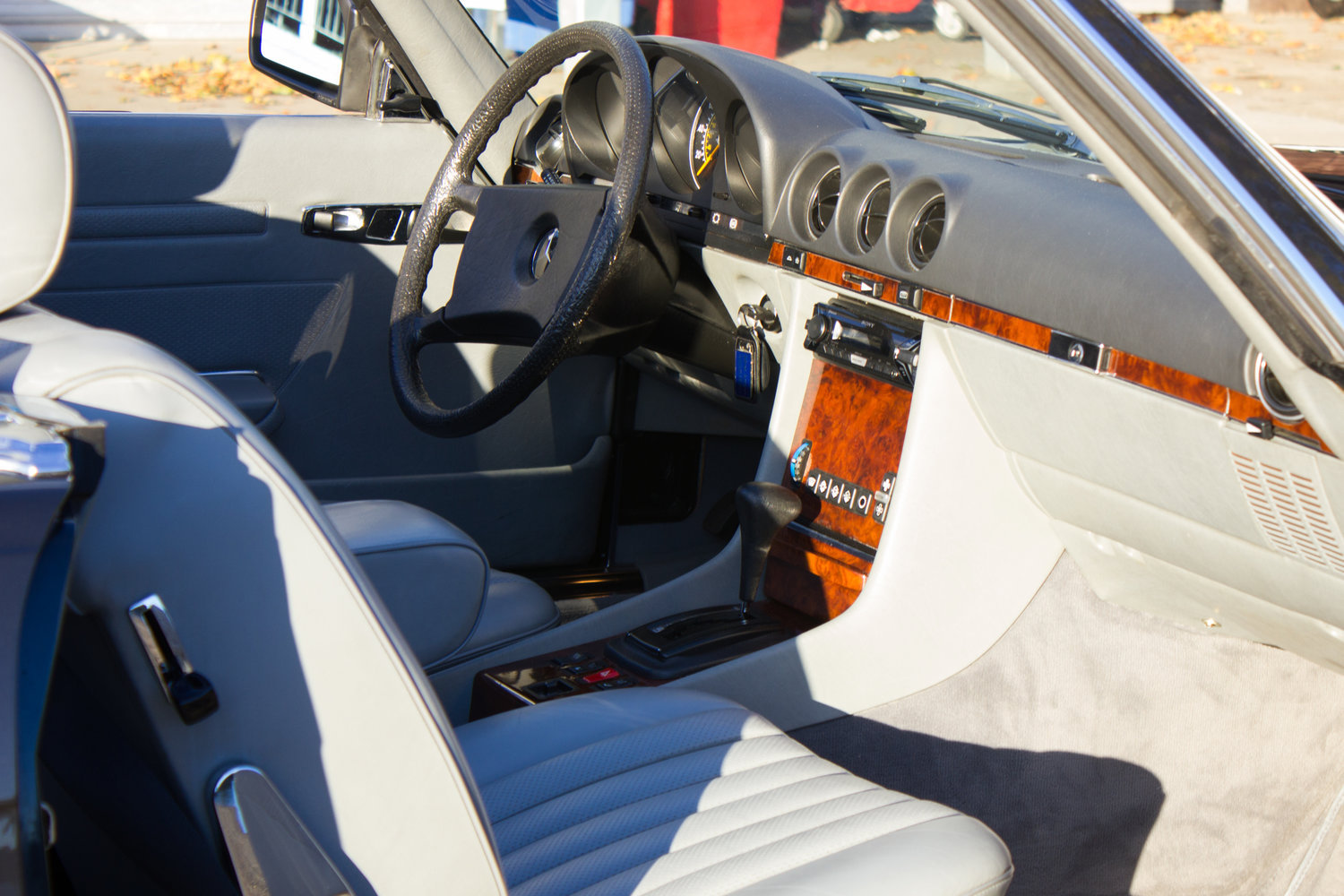 1985 Mercedes-Benz 500SL - LHD, AC, Heated Seats, 43k Miles For Sale (picture 5 of 6)