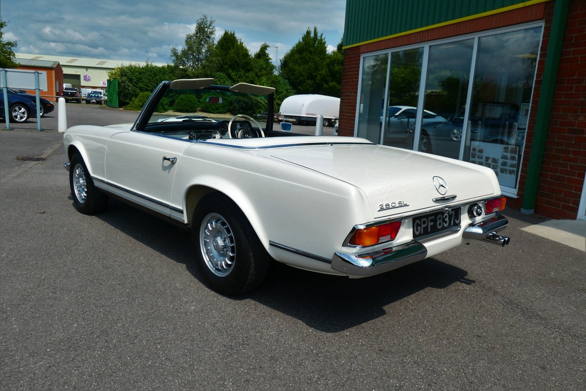 1970 Mercedes W113 280SL Pagoda RHD Manual For Sale (picture 3 of 6)