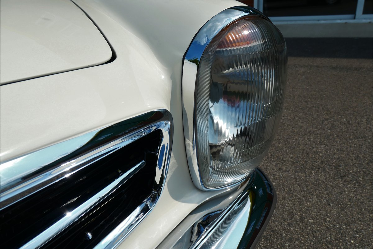 1970 Mercedes W113 280SL Pagoda RHD Manual For Sale (picture 4 of 6)
