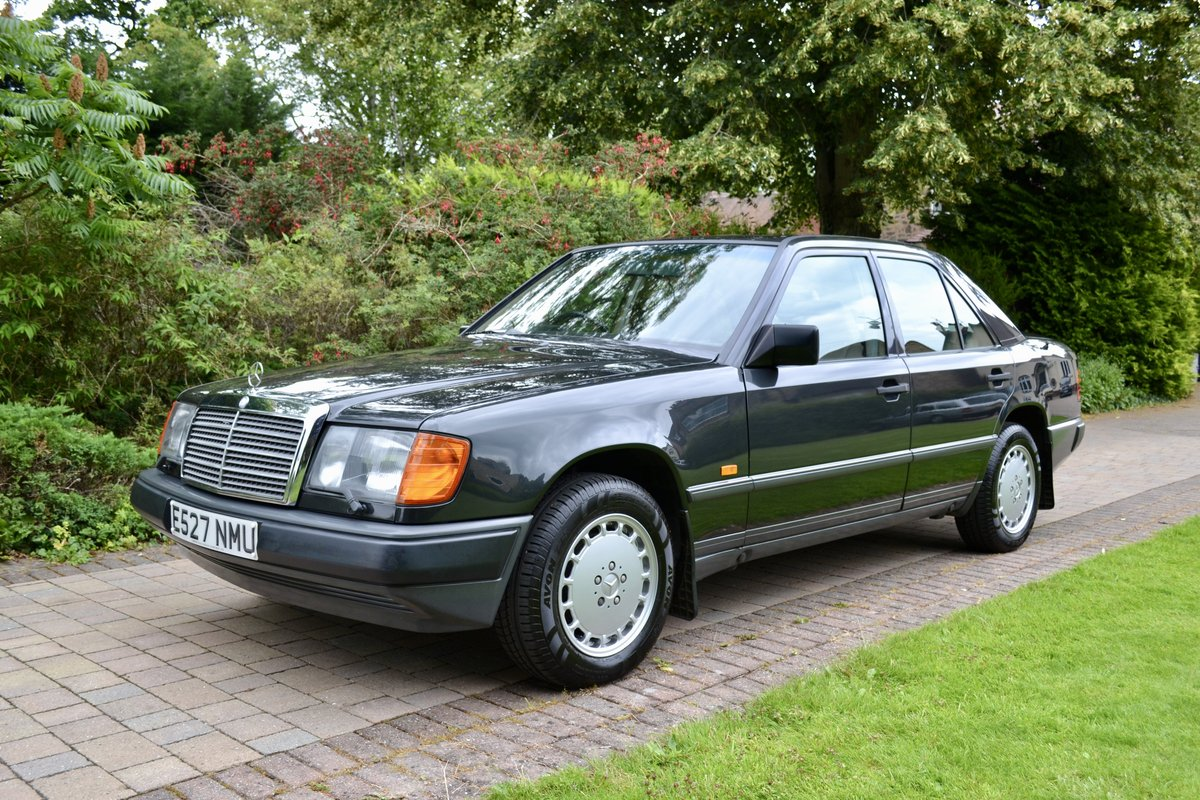 1988 Mercedes 260E W124 *60k, High Spec, Leather, FSH* SOLD (picture 1 of 6)