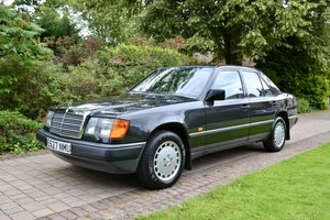 1988 Mercedes 260E W124 *60k, High Spec, Leather, FSH* For Sale