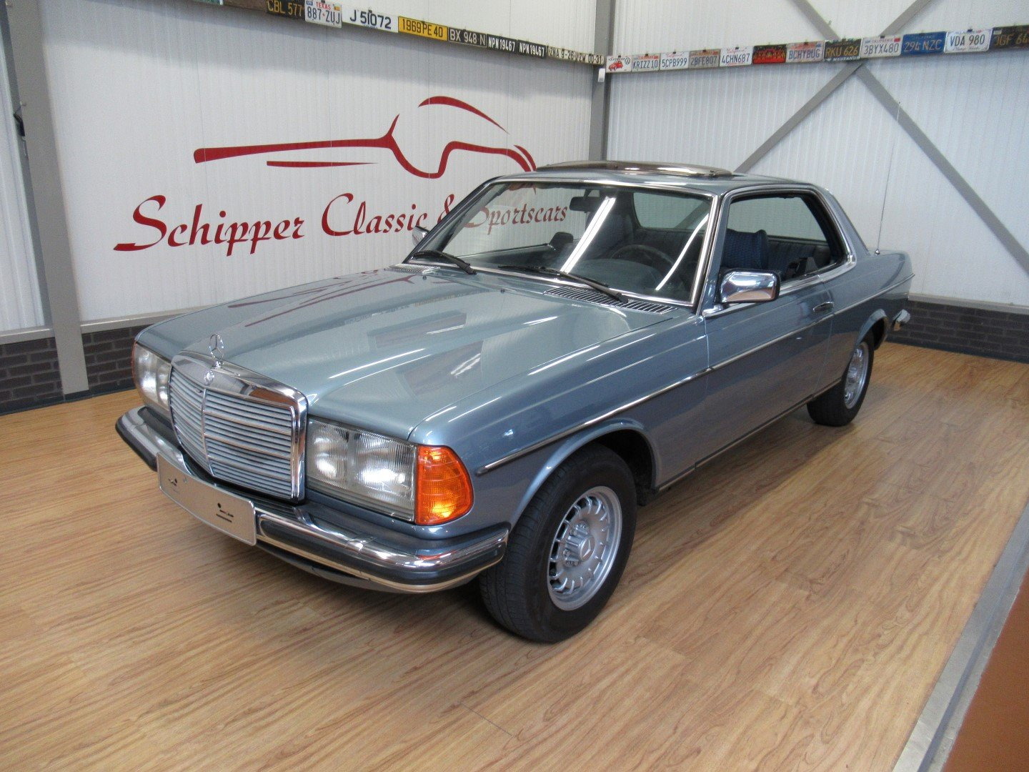 1977 Mercedes 280CE W123 Coupé For Sale (picture 1 of 6)