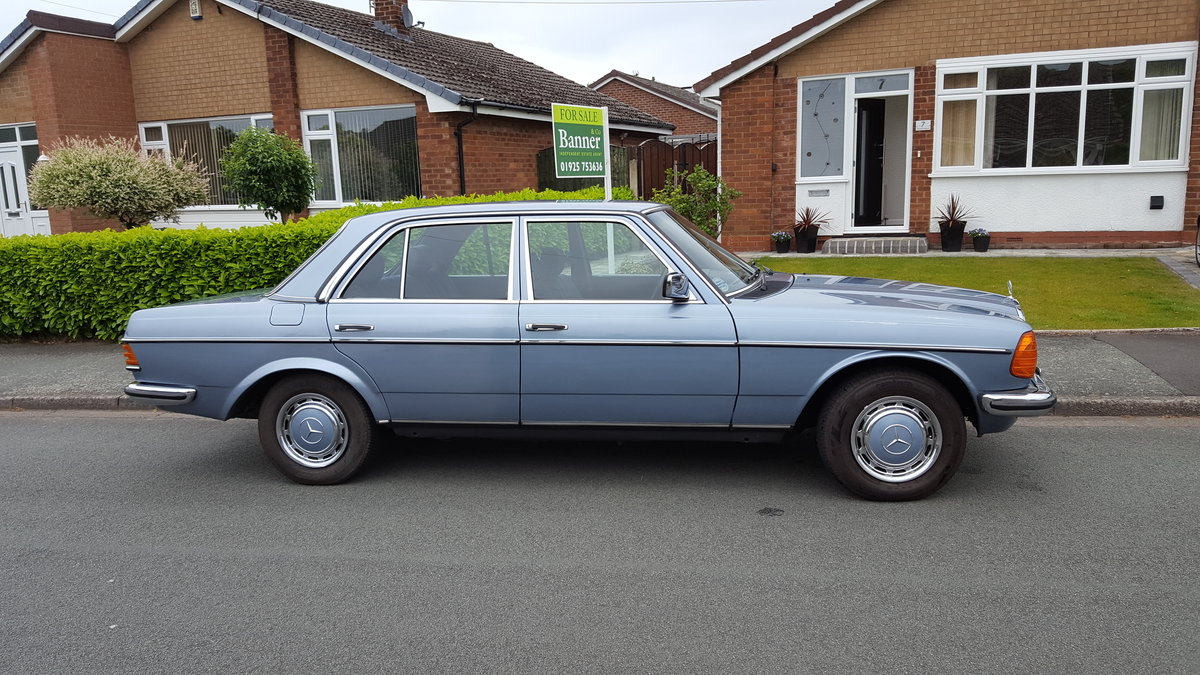 1985 W123 MERCEDES 280E For Sale (picture 1 of 6)