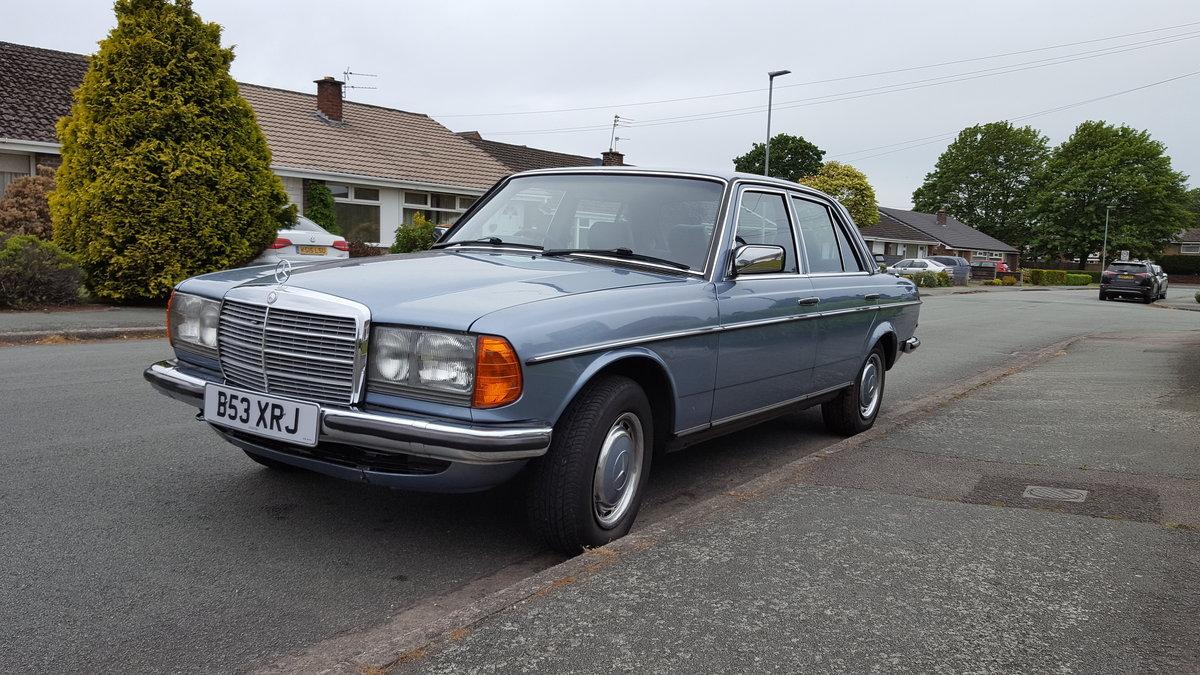 1985 W123 MERCEDES 280E SOLD (picture 2 of 6)