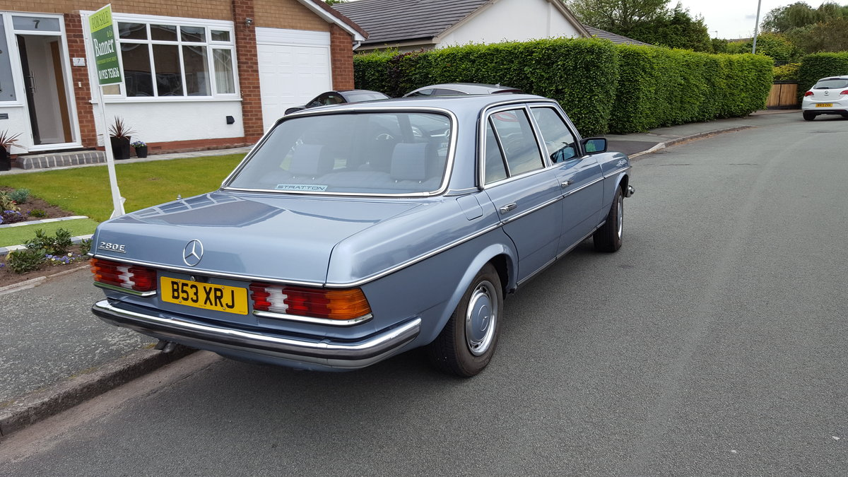 1985 W123 MERCEDES 280E For Sale (picture 3 of 6)