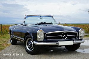 1966 Mercedes 230SL in dark blue with hardtop For Sale