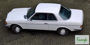 1977 Mercedes 230C (W123)