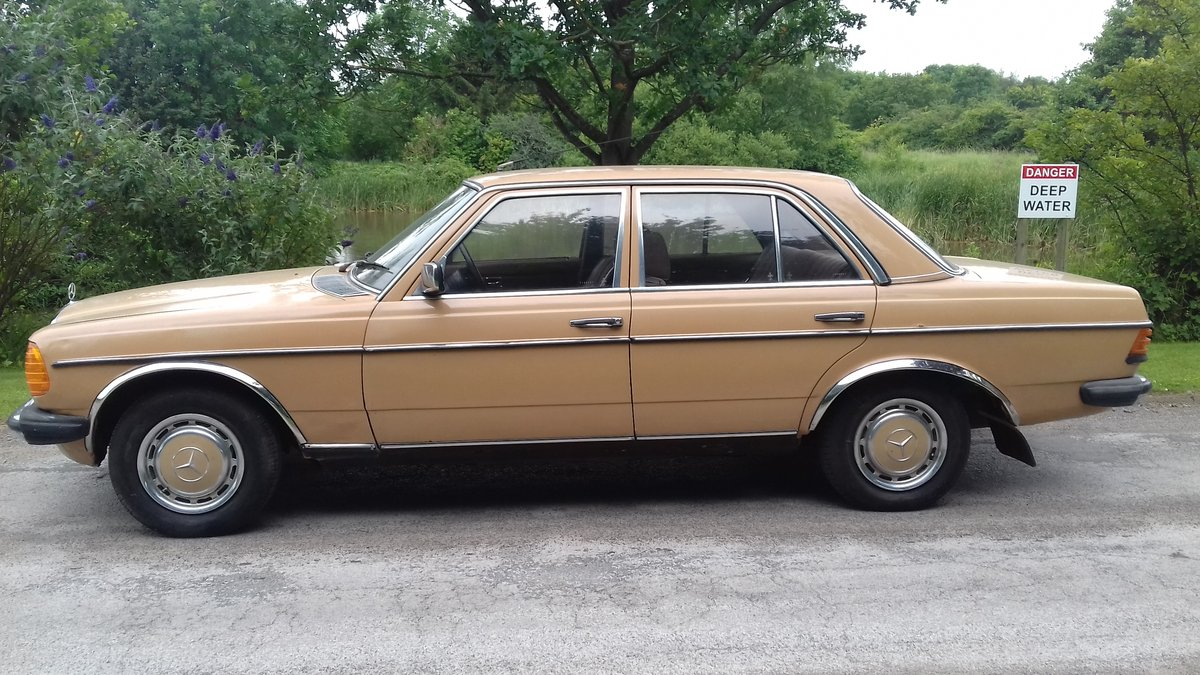 1979 MERCEDES 240D W123 SALOON ~ 'BULLET PROOF' ~EXEMPT 2020 SOLD (picture 3 of 6)