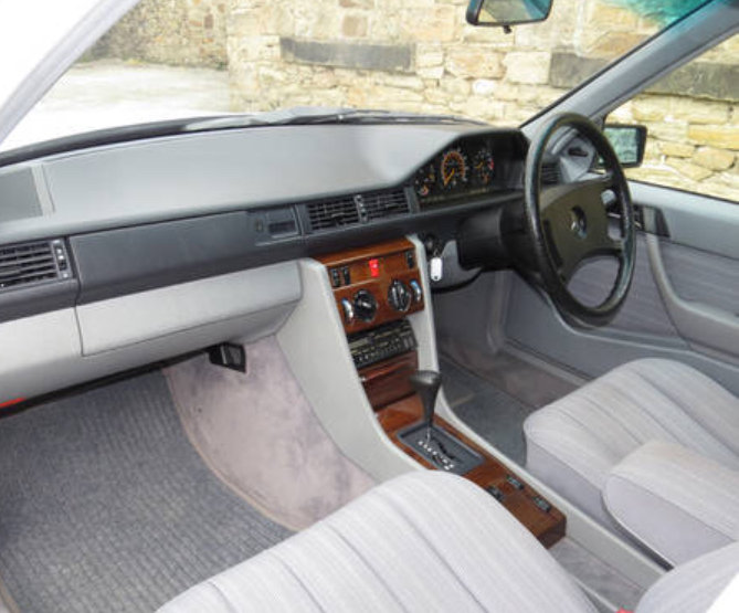 Mercedes 260e auto - May 1989 W124 For Sale (picture 6 of 6)