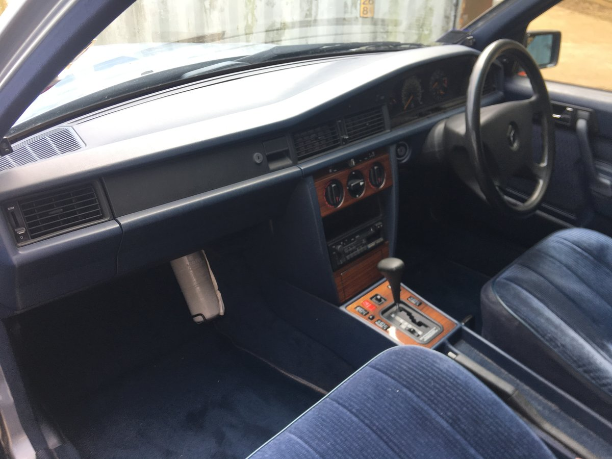 1991 Mercedes 190E 2.0 Automatic Saloon  For Sale (picture 4 of 6)