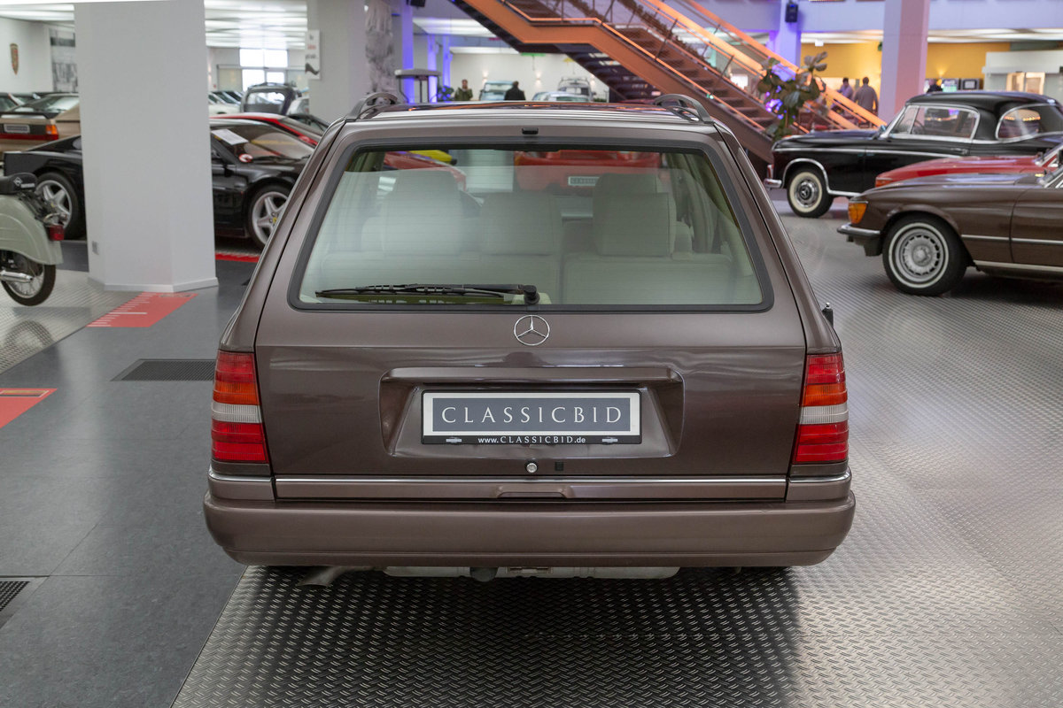 1994 Mercedes-Benz E 200 T For Sale (picture 3 of 6)