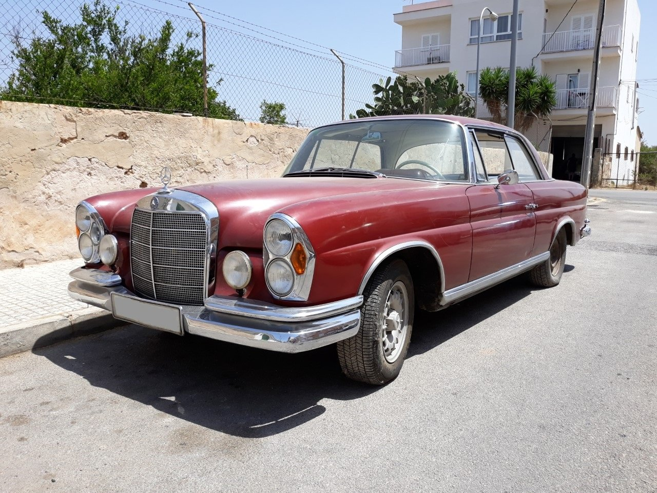 1967 LHD-Mercedes Benz 250SE Coupe-manual transmission For Sale (picture 2 of 6)