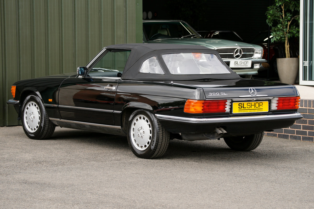 1989 Mercedes-Benz 300SL (R107) #2137 For Sale (picture 2 of 6)