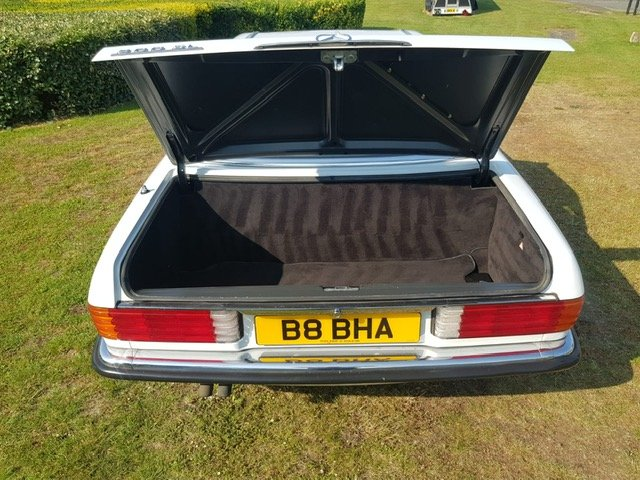 1992 LOVELY EXAMPLE OF THE STUNNING 300 SL For Sale (picture 5 of 6)