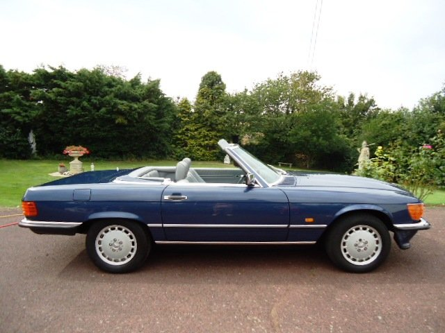 1987 Mercedes sports 420SL  £38,750 For Sale (picture 2 of 6)