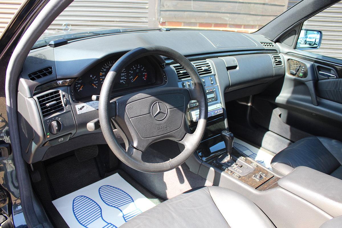 1998 Mercedes-Benz W210 E320 7 Seat Estate Auto (41,840 miles) For Sale (picture 4 of 6)