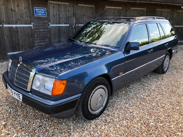 1991 Mercedes 300 TD ( 124-series ) For Sale (picture 1 of 6)