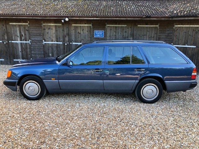 1991 Mercedes 300 TD ( 124-series ) For Sale (picture 2 of 6)