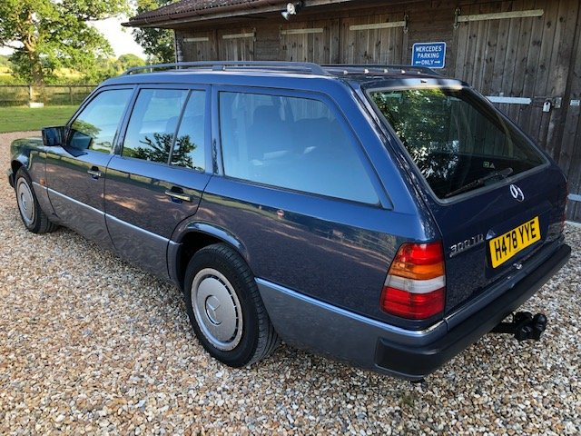 1991 Mercedes 300 TD ( 124-series ) For Sale (picture 3 of 6)