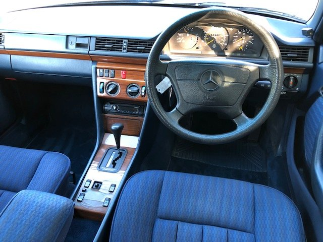 1991 Mercedes 300 TD ( 124-series ) For Sale (picture 5 of 6)