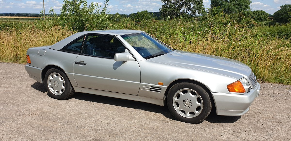 1993 Mercedes Benz SL 320. 57,000 Miles. 2 Owners. FSH. For Sale (picture 1 of 6)