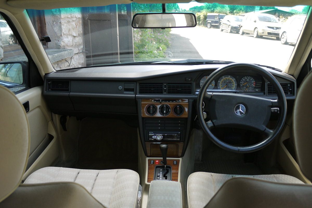 1991 Mercedes 190E, owned since 2012, only 97000 miles For Sale (picture 4 of 6)