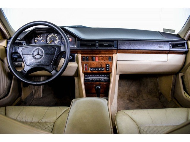 1992 Mercedes 400 E V8  For Sale (picture 3 of 6)