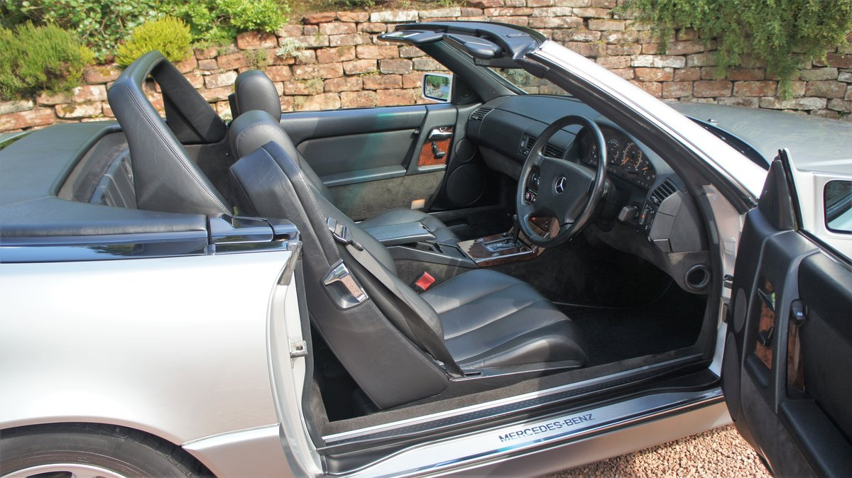1991 MERCEDES 300 SL-24 - CONCOURSE EXAMPLE  For Sale (picture 6 of 6)