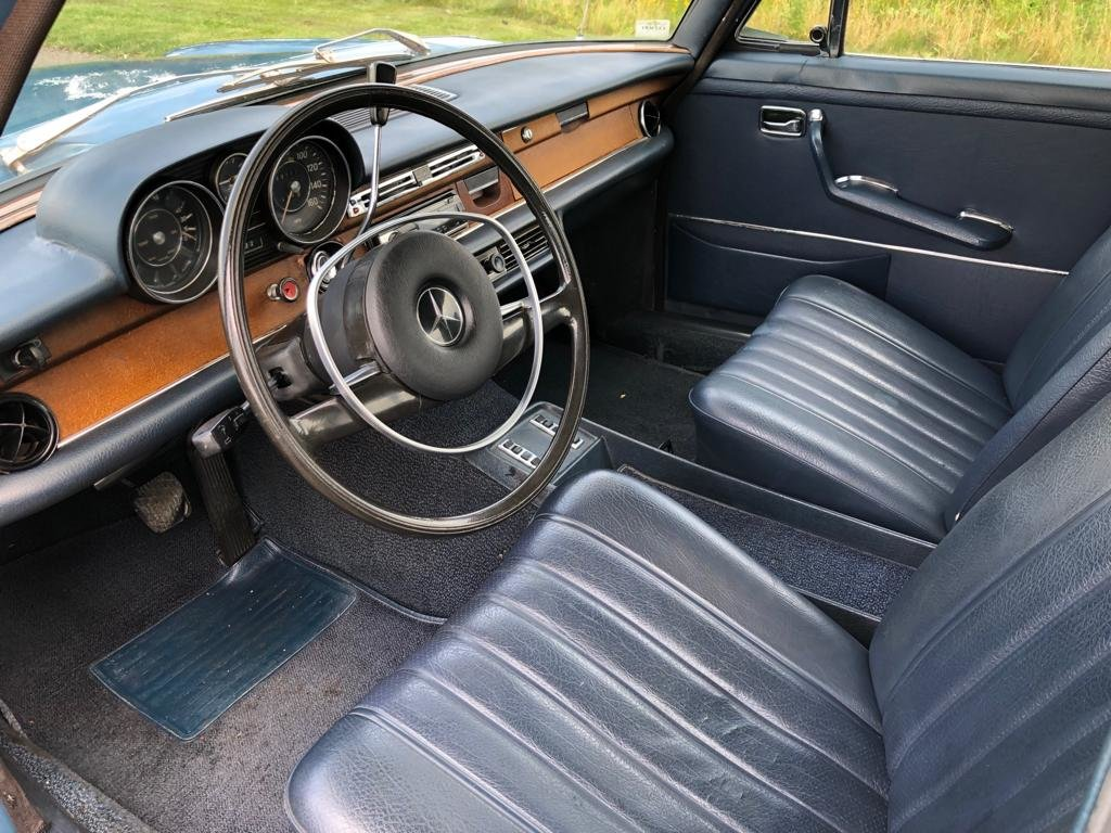 1970 Mercedes Benz W108 280S Automatic Saloon SOLD (picture 5 of 6)