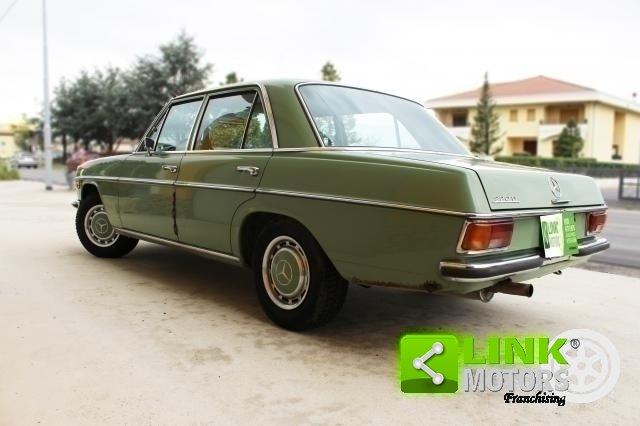 Mercedes 220d /8 w115 (1973) -PEZZO UNICO CONSERVATA For Sale (picture 5 of 6)