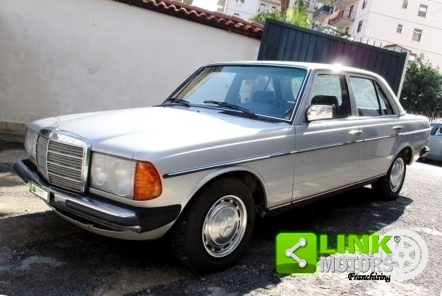Mercedes (W123) Classe 200 (1981) CONSERVATO For Sale (picture 1 of 6)