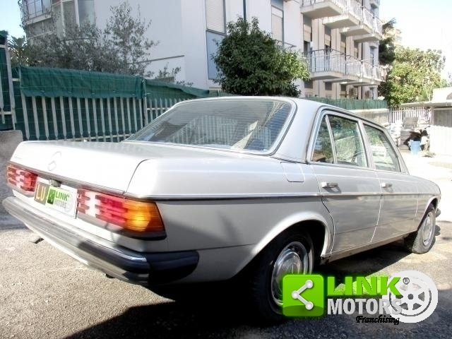 Mercedes (W123) Classe 200 (1981) CONSERVATO For Sale (picture 2 of 6)