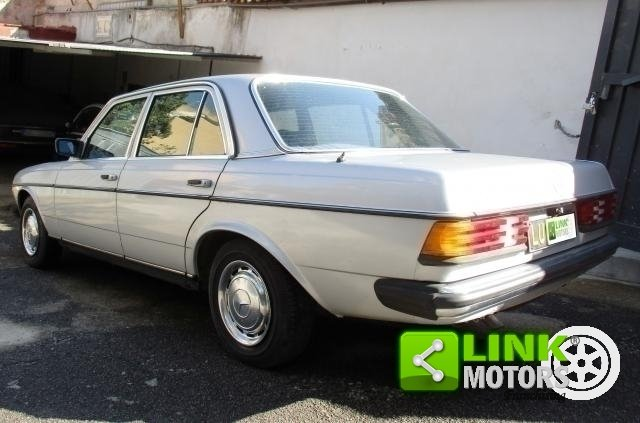 Mercedes (W123) Classe 200 (1981) CONSERVATO For Sale (picture 4 of 6)