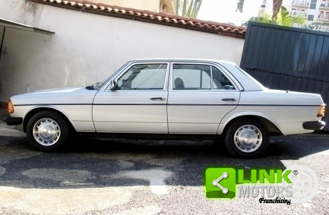 Mercedes (W123) Classe 200 (1981) CONSERVATO For Sale (picture 6 of 6)