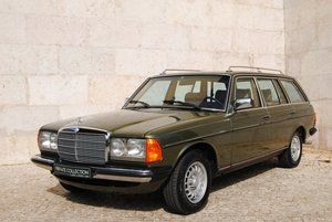 1982 Mercedes 300 TD Turbodiesel 7 seats Restored For Sale