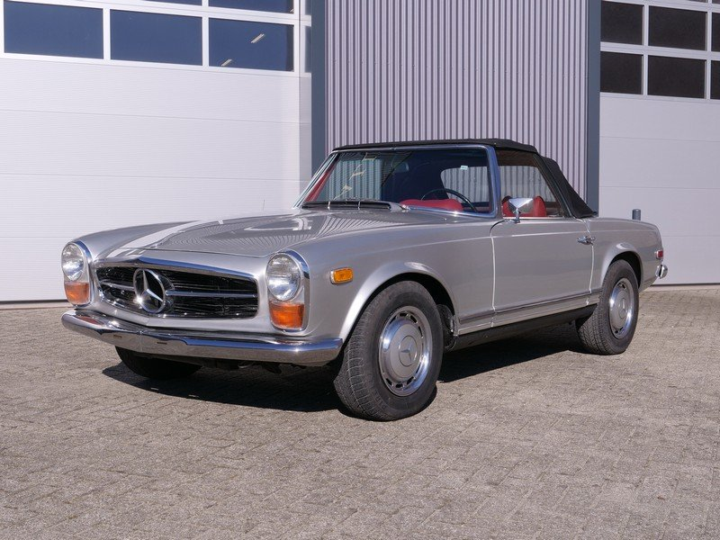 1969 Mercedes Benz 280SL Pagode Manual For Sale (picture 1 of 6)