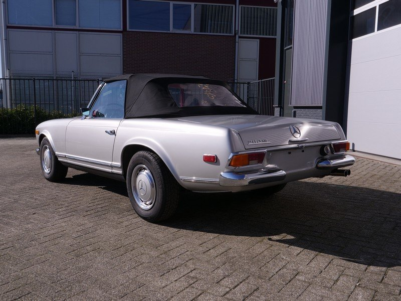 1969 Mercedes Benz 280SL Pagode Manual For Sale (picture 2 of 6)