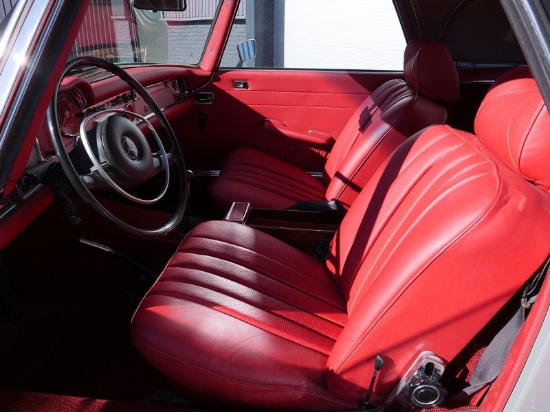 1969 Mercedes Benz 280SL Pagode Manual For Sale (picture 4 of 6)
