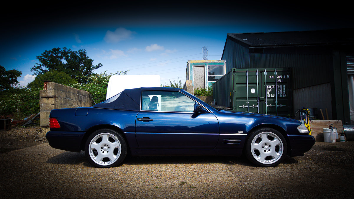 1996 Mercedes SL500 (R129). Rust free, low mileage. For Sale (picture 1 of 6)