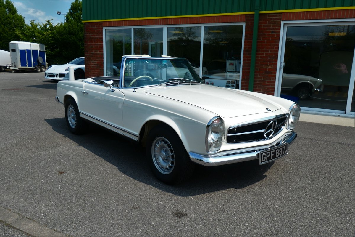 1970 Mercedes W113 280SL Pagoda RHD Manual For Sale (picture 1 of 6)