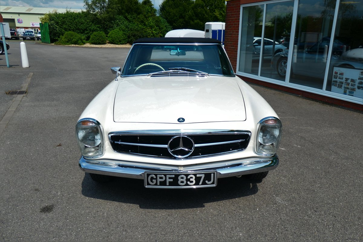 1970 Mercedes W113 280SL Pagoda RHD Manual For Sale (picture 2 of 6)