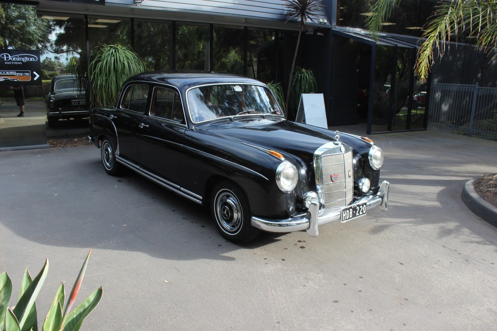 "1959 Mercedes Benz ""Ponton"" saloon 220S For Sale (picture 1 of 6)"