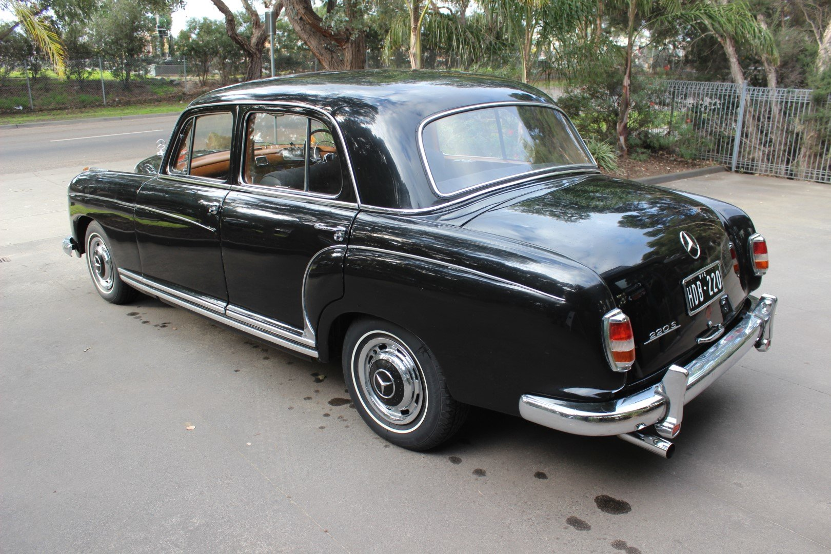 "1959 Mercedes Benz ""Ponton"" saloon 220S For Sale (picture 3 of 6)"