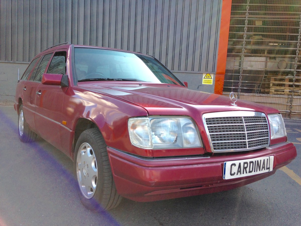 1994 MERCEDES BENZ 220TE ESTATE AUTOMATIC W124 For Sale (picture 1 of 6)